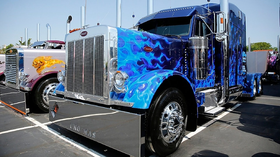 Working Truck - Limited Mileage - Suzanne Rodriquez - Salinas, Ca. - 1999 Peterbilt 379 Ext. Hood
