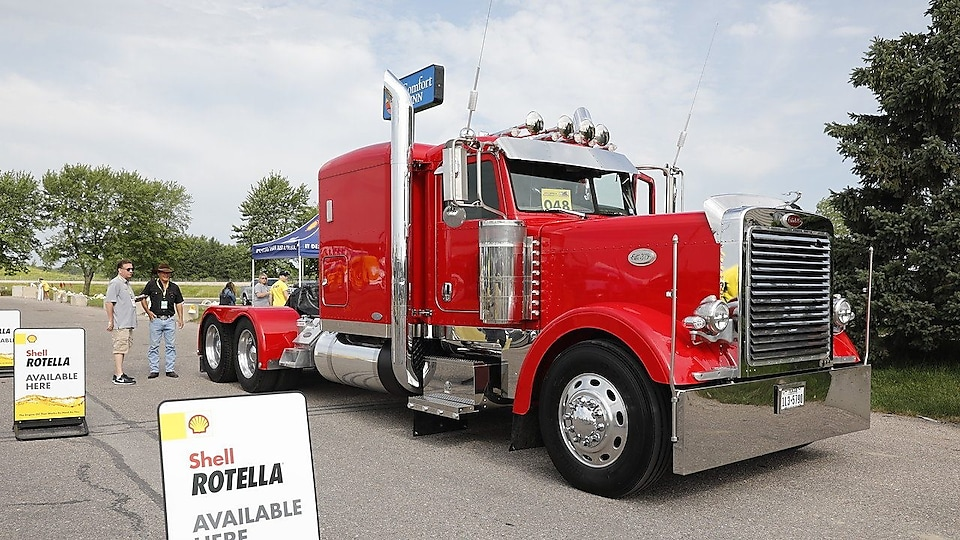 Michael Holland – Non-working Show Truck - 2007 Peterbilt 379 – Spring, TX