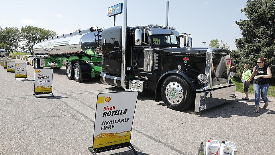 Bill Rethwisch – Limited Mileage 4th place - 2019 Peterbilt 389 – Tomah, WI